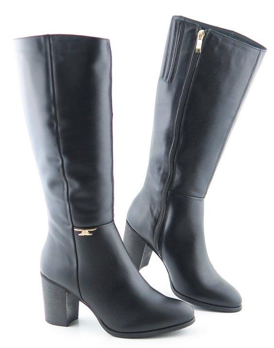 f162e5eb759e2 Dámske kožené čierne čižmy na podpätku • Kabelky-topanky.sk
