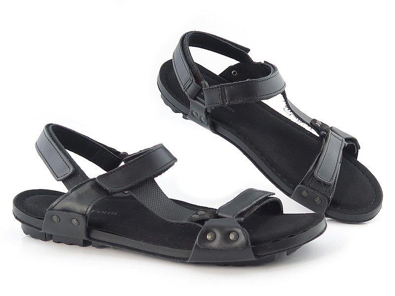 424ab977e20e8 Komfortné čierne letné sandálky NIK • Kabelky-topanky.sk
