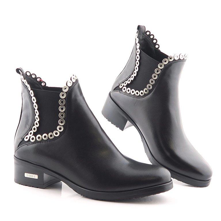 2807775560190 Kožené čierne členkové topánky SIMEN • Kabelky-topanky.sk