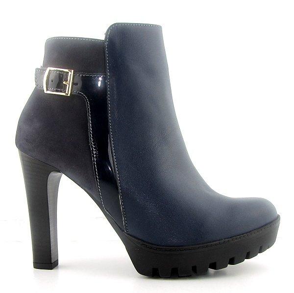 5ca6c994f22bc Kvalitné kožené modré kotníčky na podpätku • Kabelky-topanky.sk