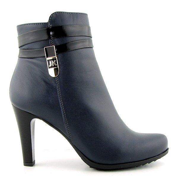 033dfd36fe216 Trendové kožené modré kotníčky na podpätku KORDEL • Kabelky-topanky.sk